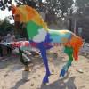 广场玻璃钢彩绘马雕塑价格